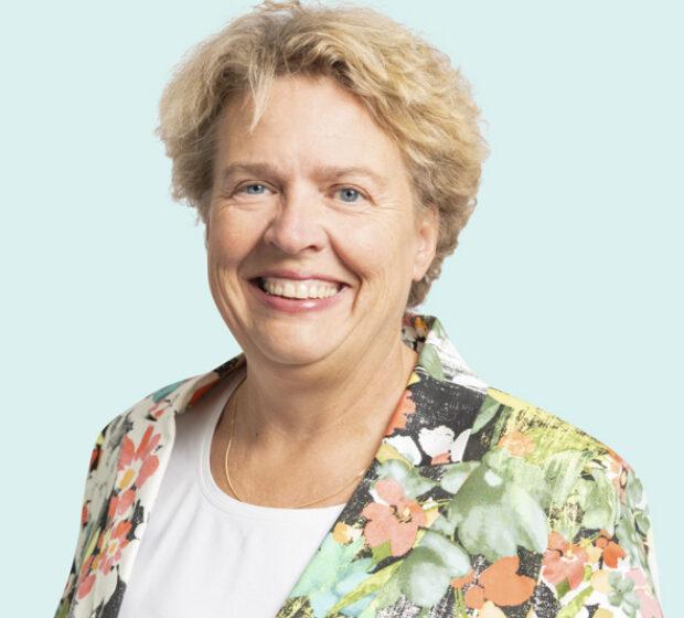 Karin Sleeking